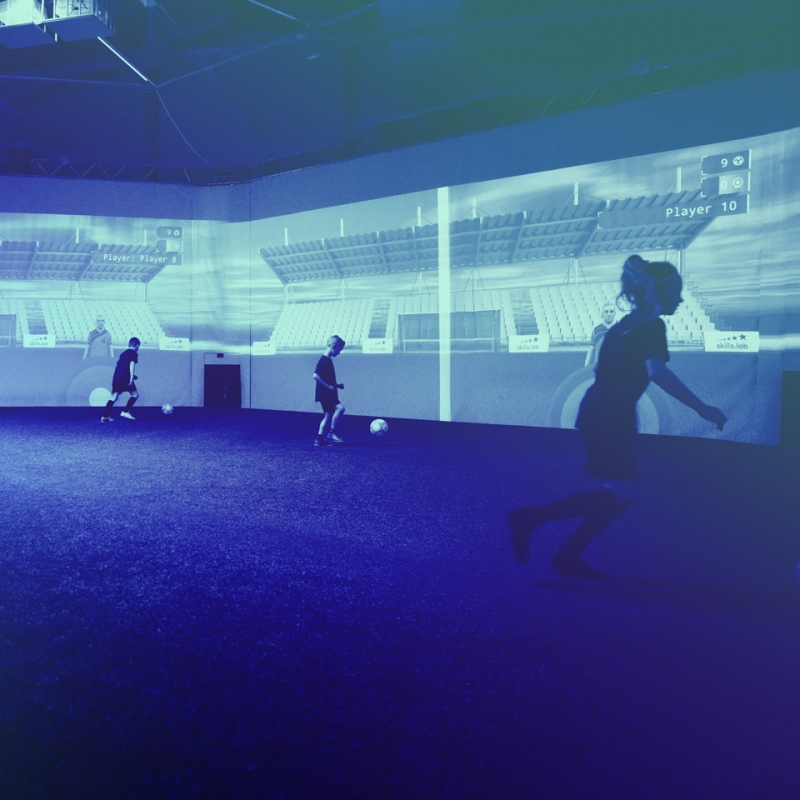 Image from skills.lab Arena showing four kids during a free trial