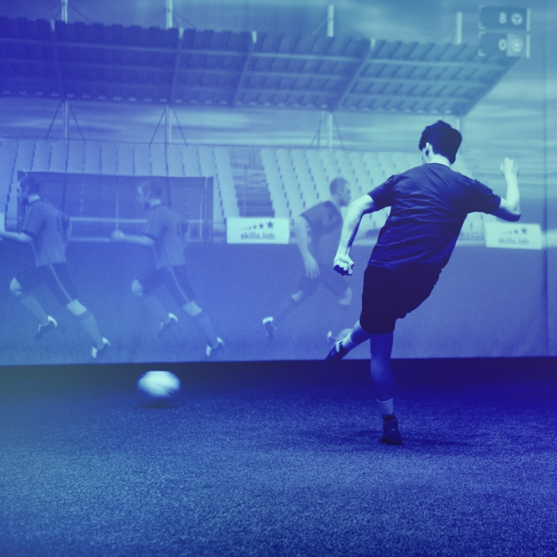 An adult player during an overview exercise in the skills.lab Arena
