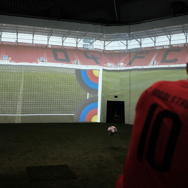 FC Ingolstadt 04 - Image of an adult player during a finishing exercise in the skills.lab Arena