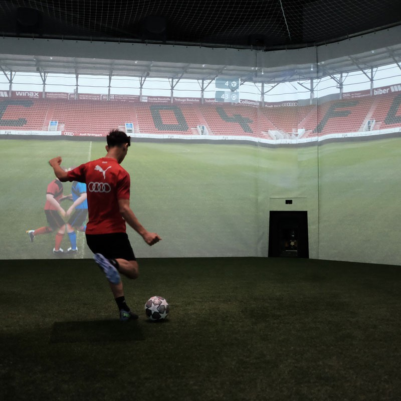 FC Ingolstadt 04 - Image of a youth team player during an overview exercise in the skills.lab Arena