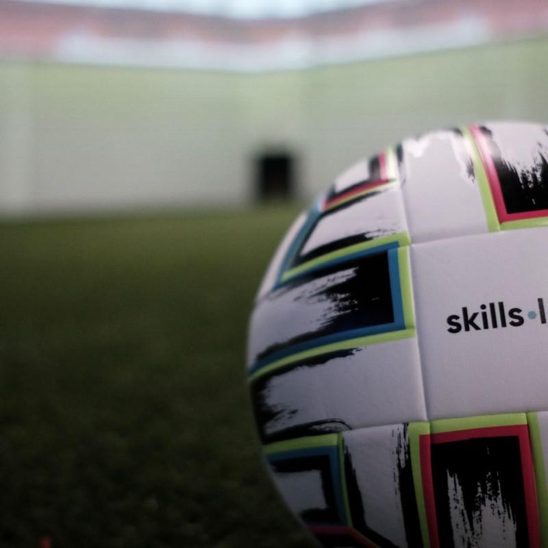 Blog - Fotos eines Fußballs in der skills.lab Arena des FC Ingolstadt