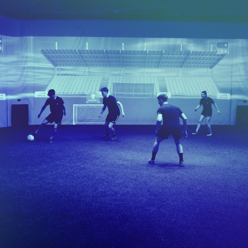 Image showing four players at the skills.lab Arena during an exercise of two-versus-two