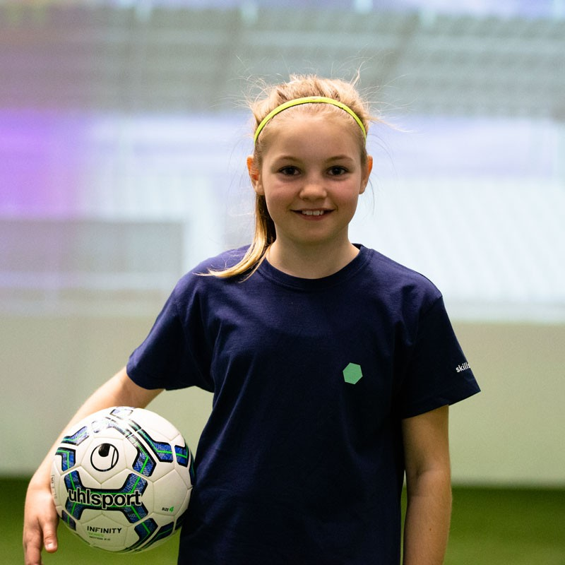 Academy - Portrait image of a young girl in the skills.lab Arena