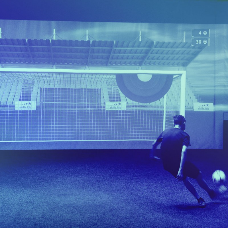 Academy - Image of a youth player during a finishing exercise in the skills.lab Arena